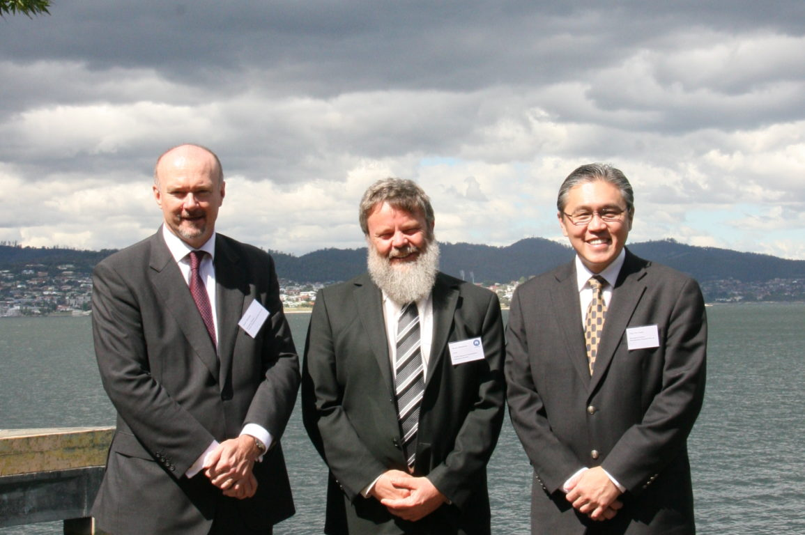 Mr David Parmeter (Director Teekay Shipping (Australia) Pty. Ltd), Dr Bruce Mapstone (Chief of Division, CSIRO Marine and Atmospheric Research) and Mr P K Ong (Managing Director Sembawang Shipyard.