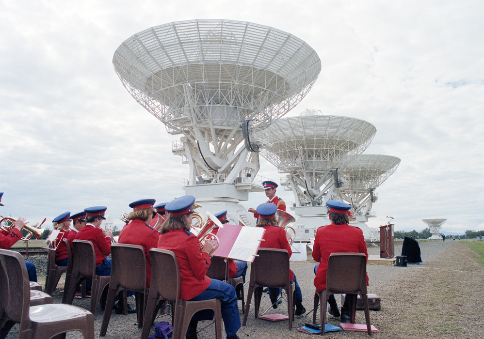 The Narrabri band played the theme from Star Wars to welcome the VIPs to the Opening Ceremony. (Credit: CSIRO archive)