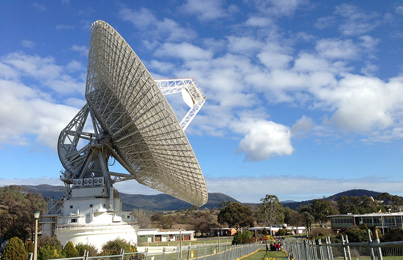 The public were invited to take their own walking tour, up close and personal with Deep Space Station 43 - the largest steerable antenna dish in the Southern Hemisphere: Photo: Jessica Smith @crystalsinger