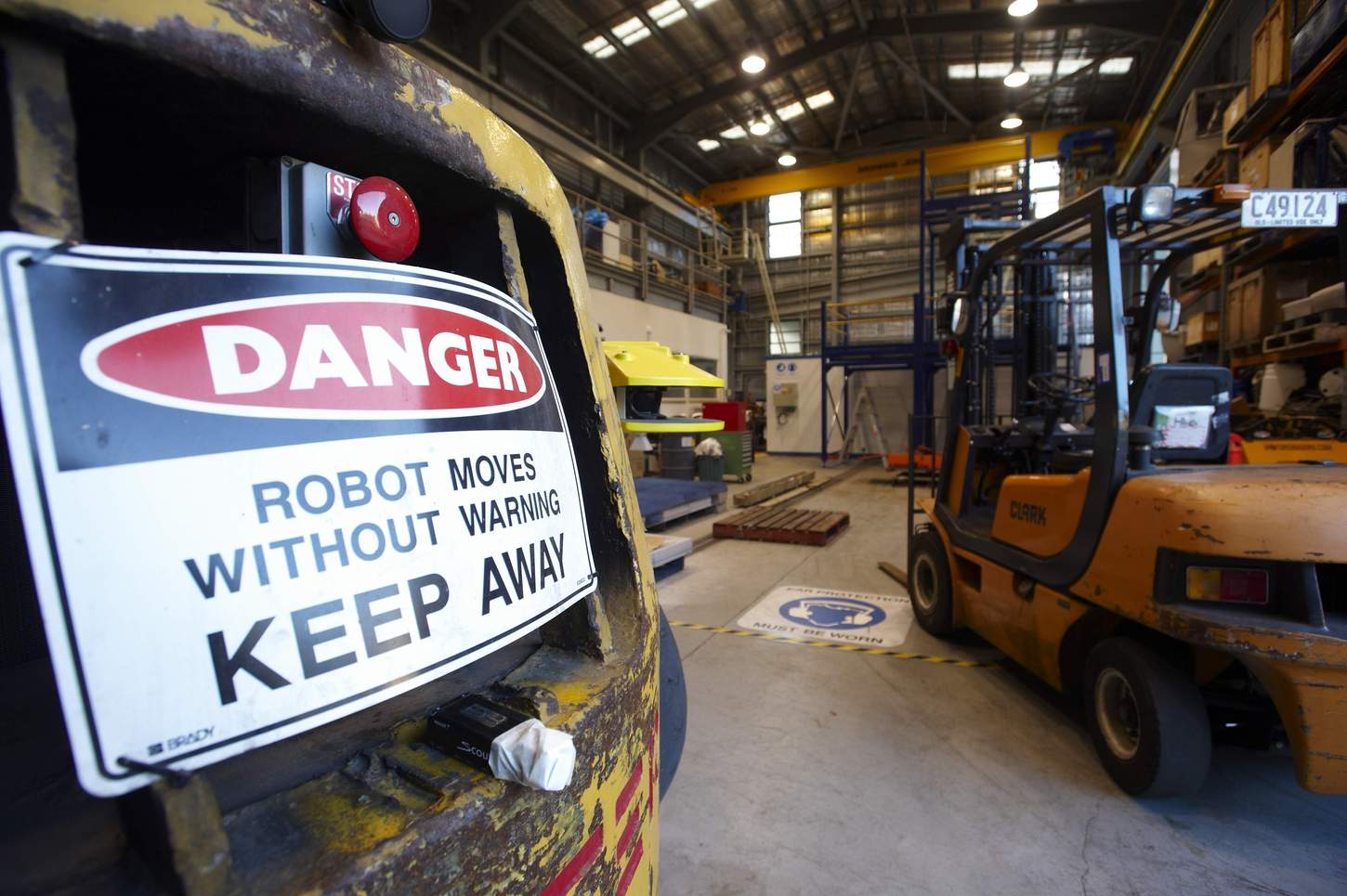 Autonomous systems for driverless robot forklifts and trucks can raise productivity in warehousing and logistics.