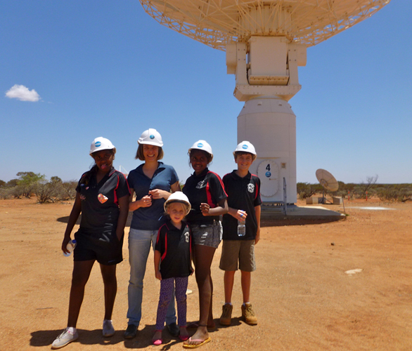 Pia Wadjarri School visit to the MRO: building trust through shared experiences.