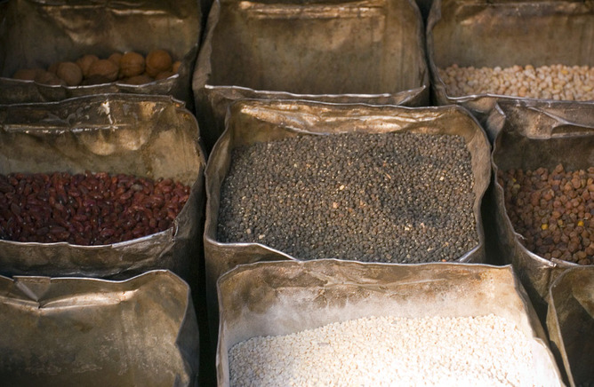 Legumes are the least well known source of fibre, but they may be the most important for human health. Image: Dey/Flickr