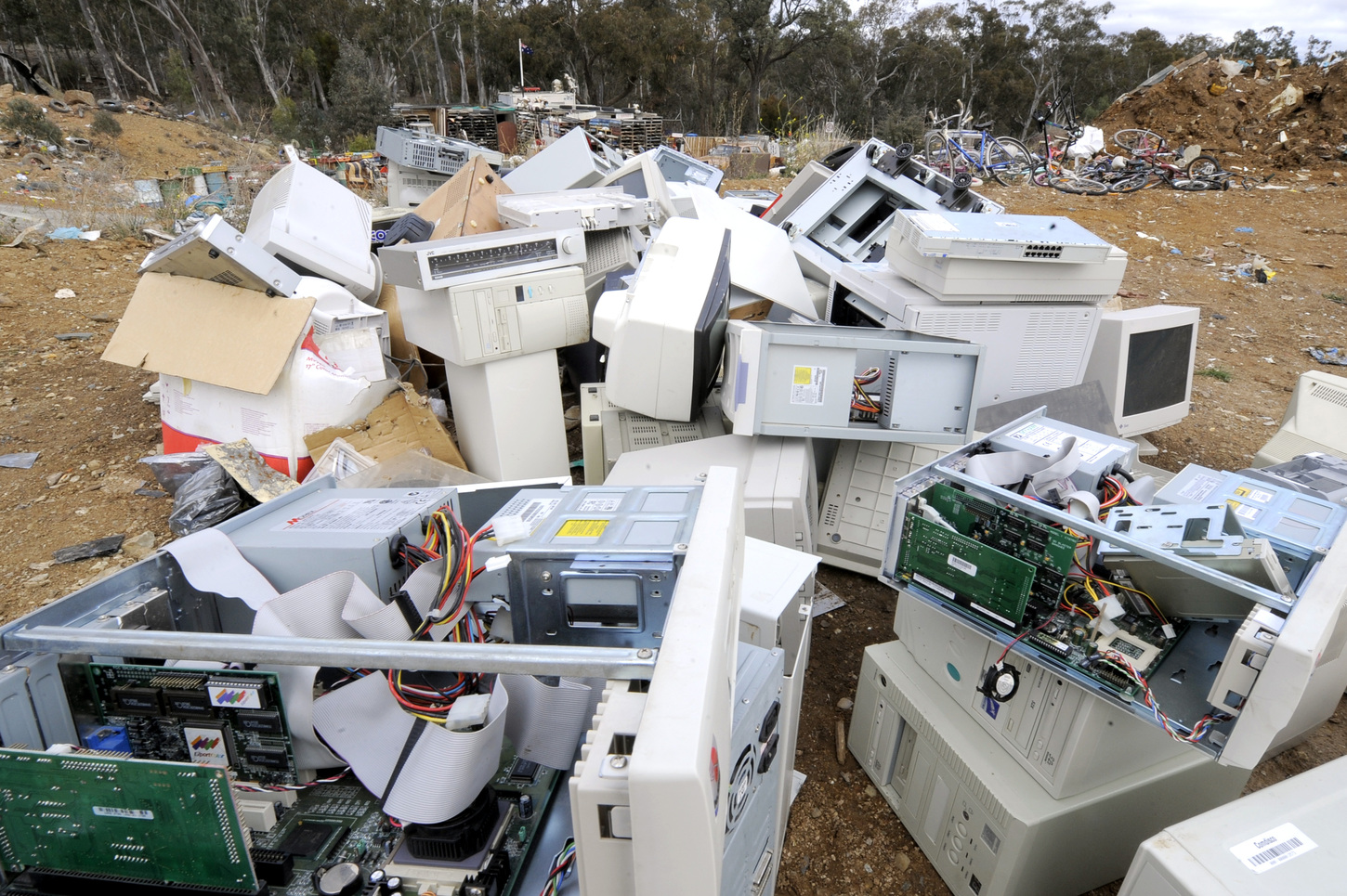 Obsolete computers and accessories shouldn't end up in landfill when they can be recycled for metals and materials. Image: AAP Image/Alan Porritt