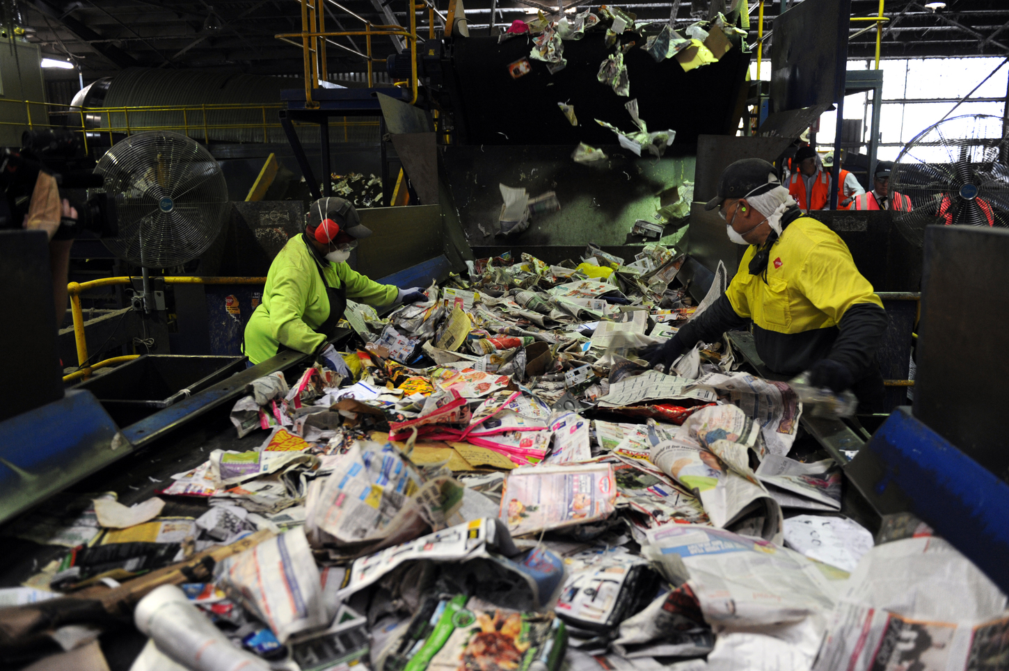 Some recycling of rubbish is being done, such as at the Visy recycling plant in Brisbane, but we can do more. Image: AAP/Dan Peled