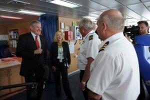 Minister for Industry Ian Macfarlane tours RV Investigator