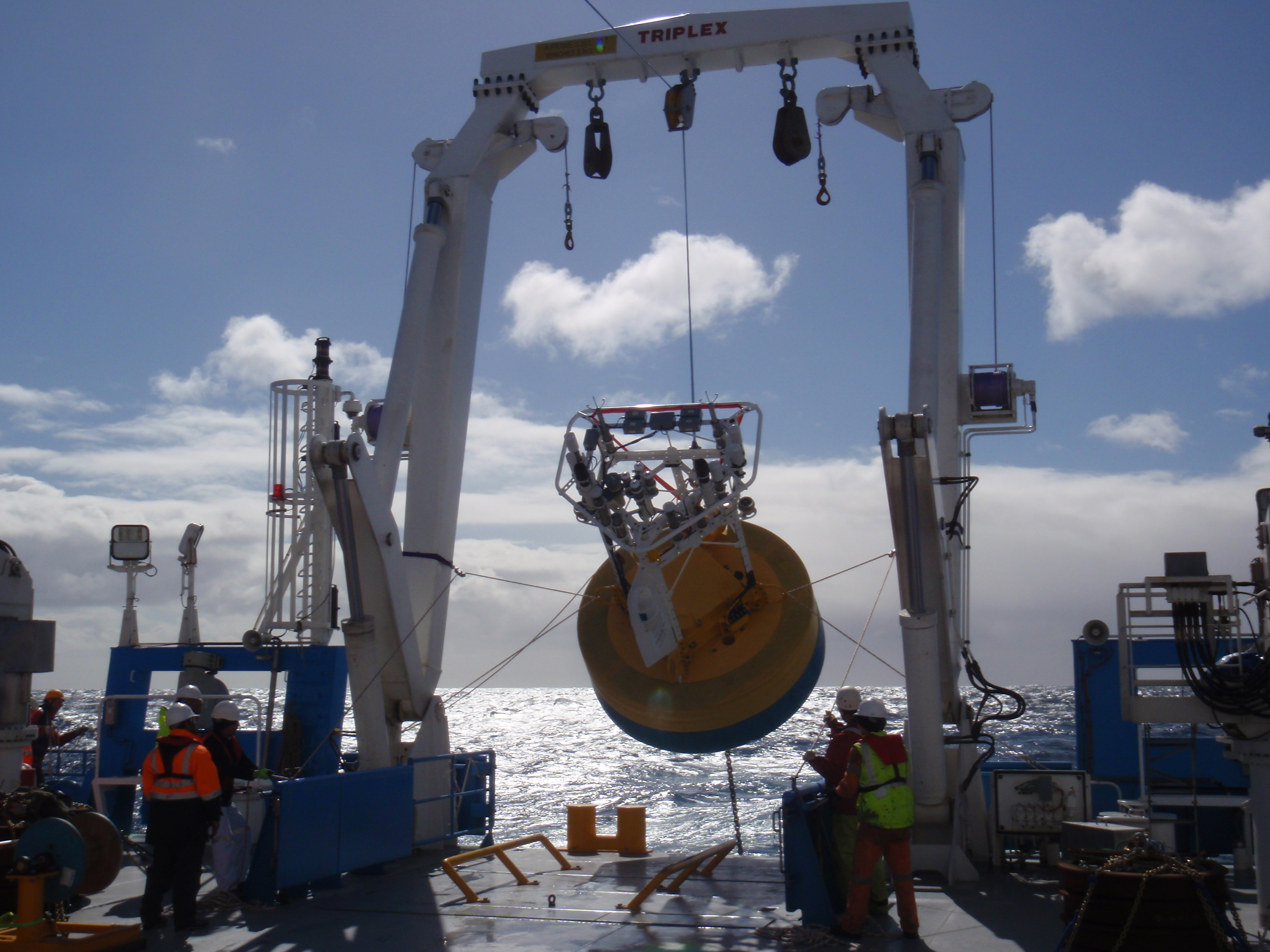 deploying-the-southern-ocean-flux-station-mooring-from-the-a-frame-on-board-rv-investigator