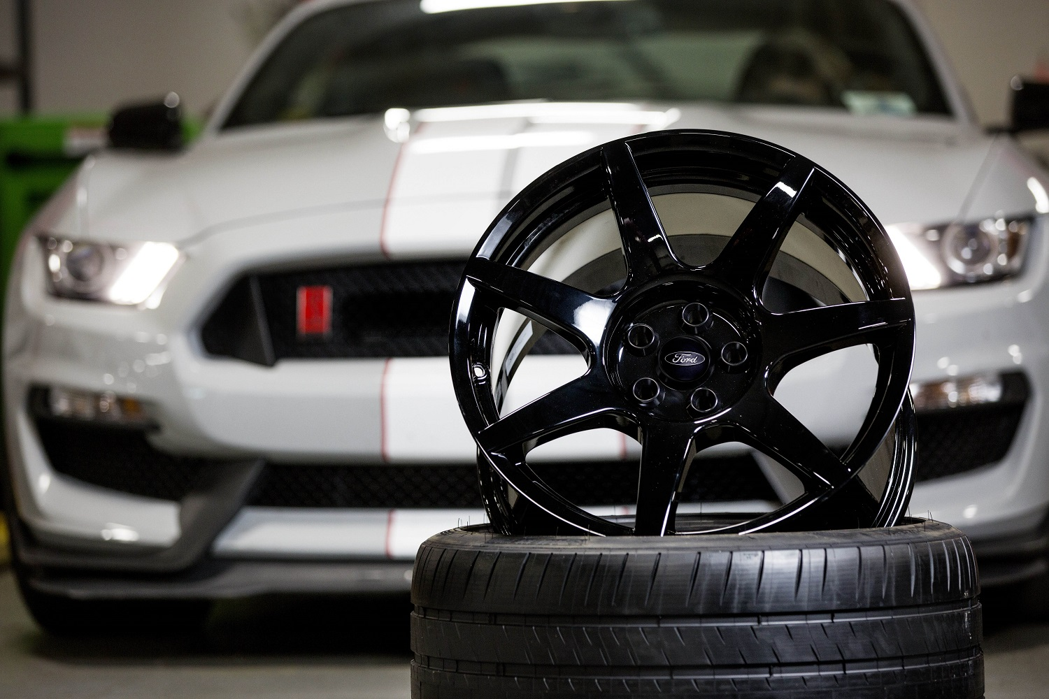 The Shelby GT530R features the world's first mass-produced carbon fiber wheels. Ford is the first major automaker to offer carbon fiber wheels as standard equipment.