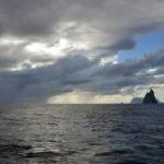 Ball's Pyramid and Lord Howe Island (image MNF + Tony Hearne)