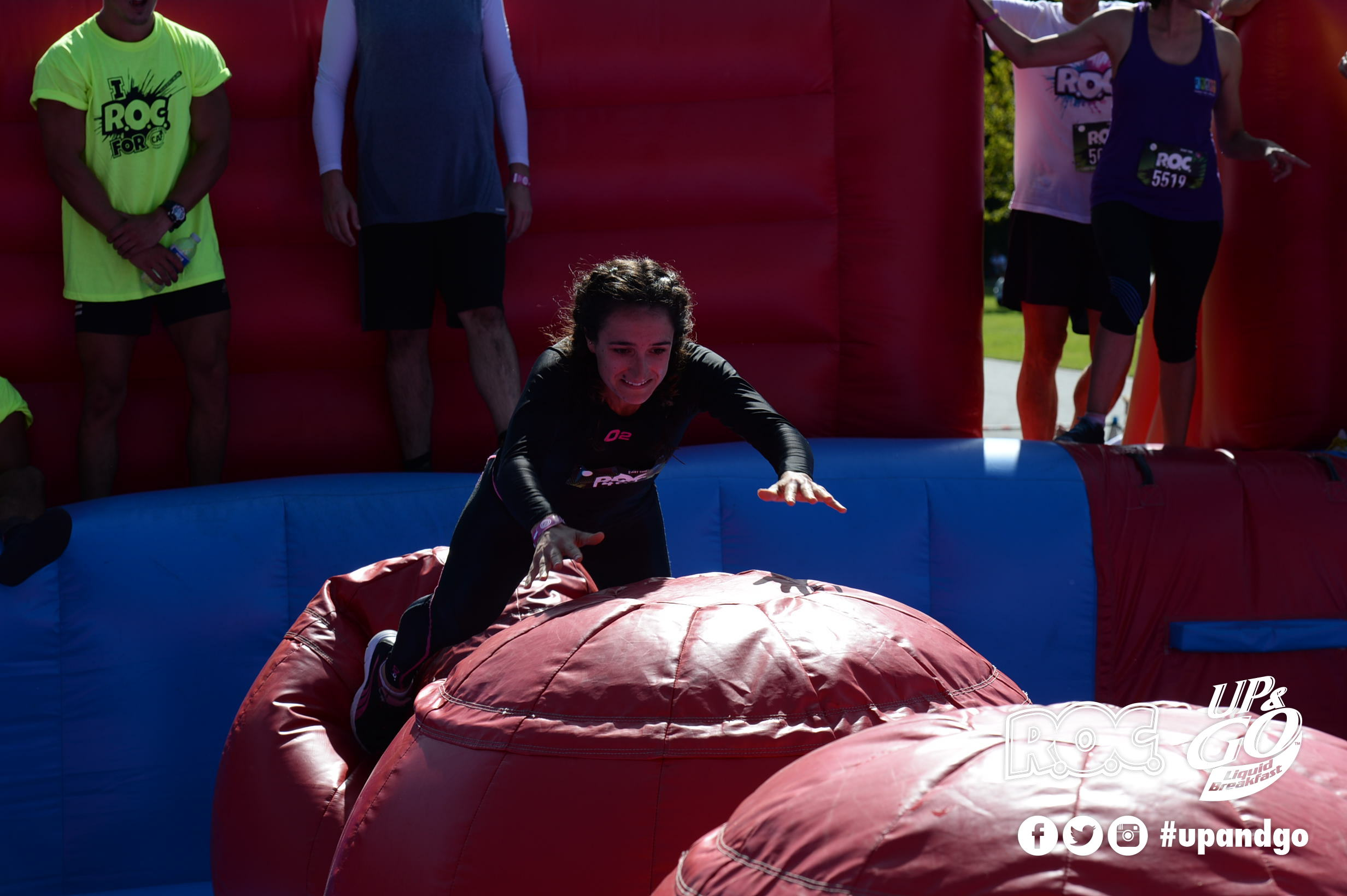 Amanda Bergamin completing the R.O.C obstacle course
