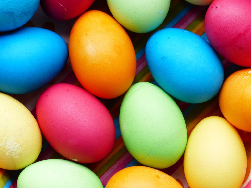 Image of different coloured eggs