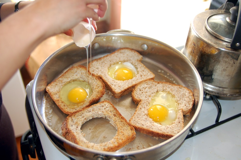 eggy in a basketsml