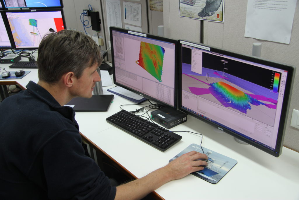 Investigator's multibeam mapping of the Cascade Seamount