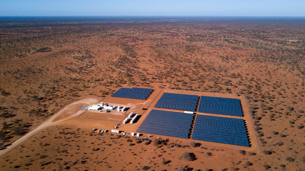 Feild of solar panels in the West Australian outback