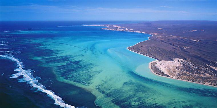 ariel photo of the Ningaloo marine park