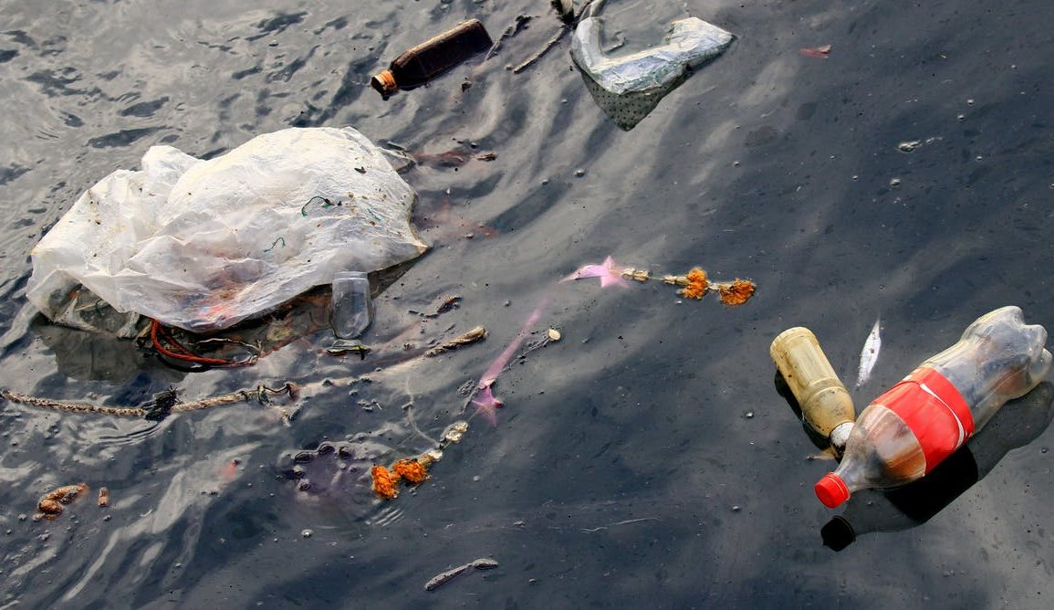 Uncountable numbers of drink containers end up in the ocean every year. Shutterstock