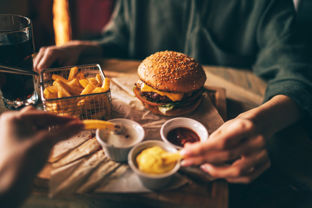 Burger, chips and soft drink