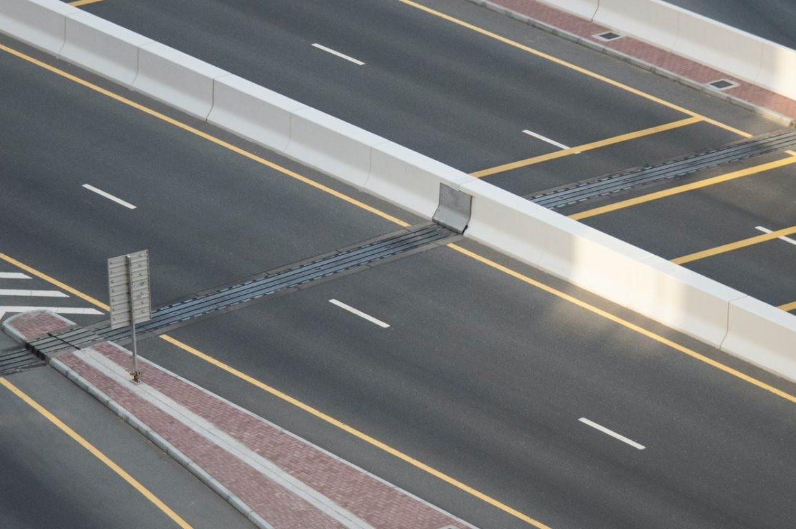 Lockdown tips, Empty roads